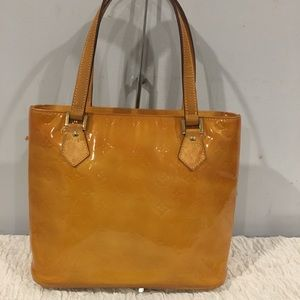 Authentic Louis Vuitton vernis shoulder bag